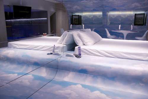 LushHotel_cloud-room2
